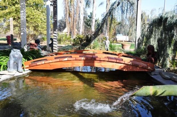 Amazing-Garden-Bridge-Design-Ideas
