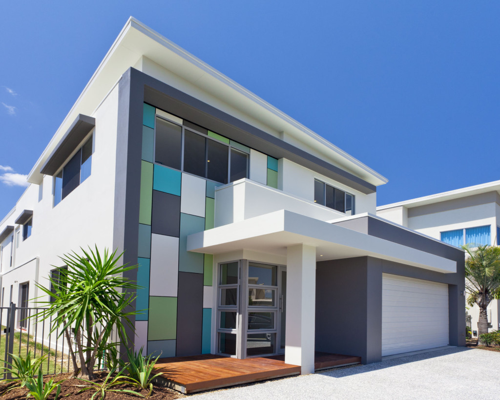 Cool-Modern-Exterior-Painting-Designs-With-white-modern-home-design-and-glass-door