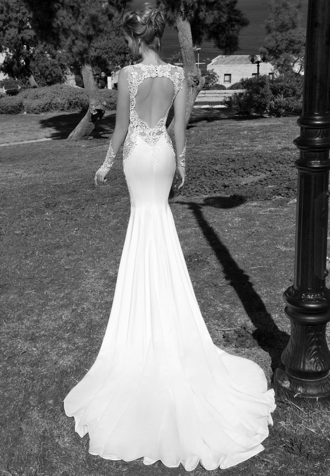 Unbelievable-Backless-Wedding-Dresses-for-2015