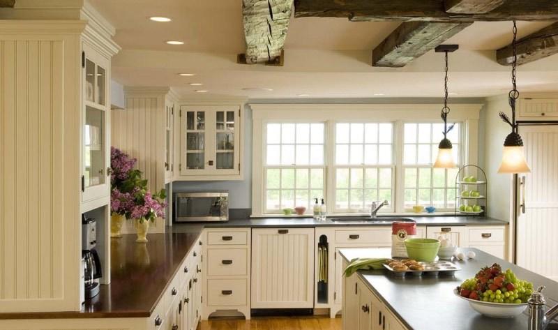 island-ceiling-beam-wood-floor-pendant-lights