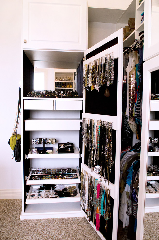 Alluring-Closet-Traditional-design-ideas-for-Built-In-Jewelry-Storage-Image-Gallery