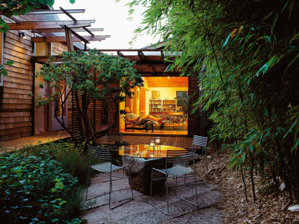 Consider Style of Home When Designing Garden