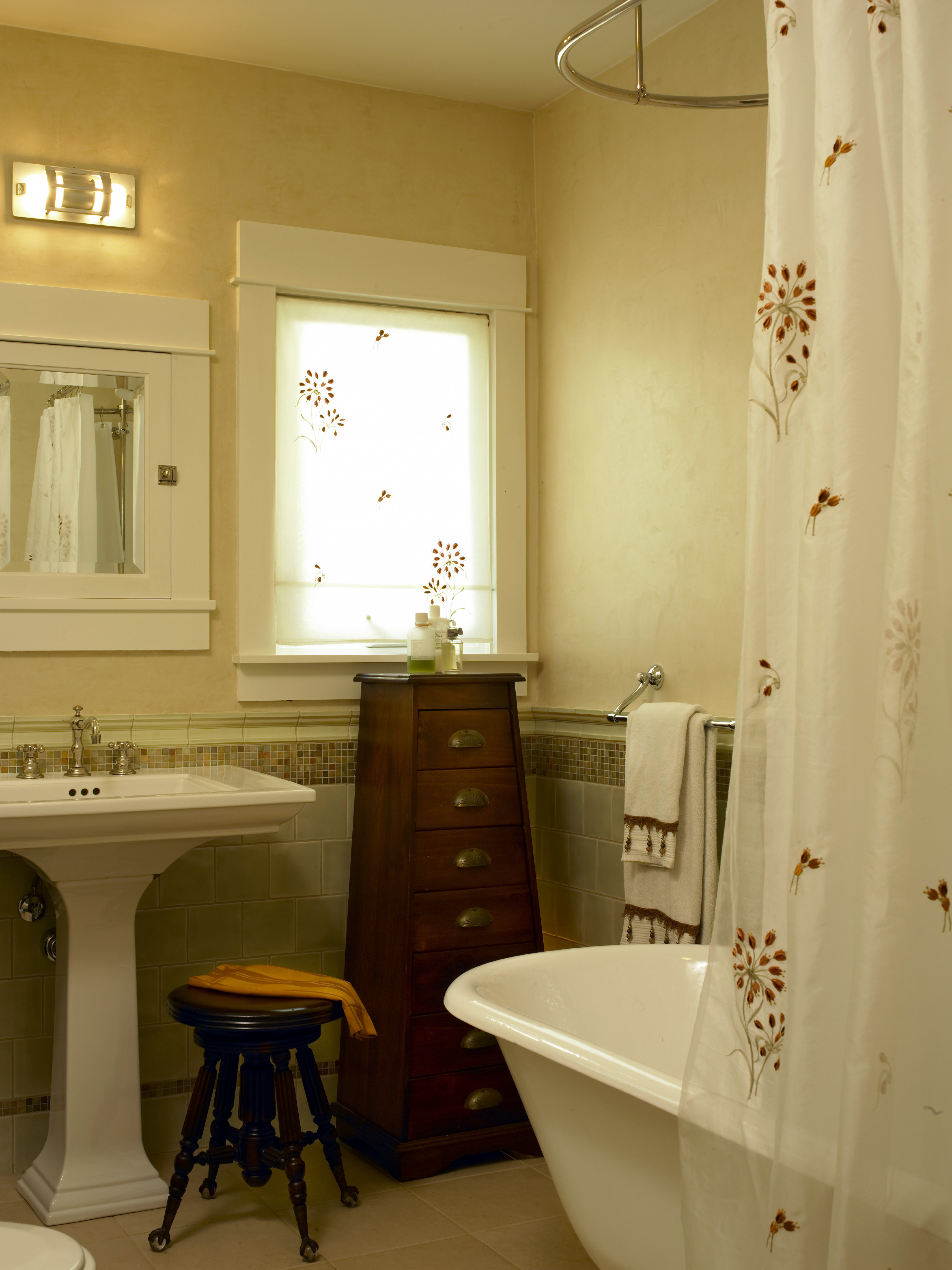 Larchmont_Residence_Bathroom