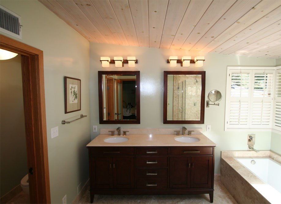 Luxury Craftsman Bathroom Interior