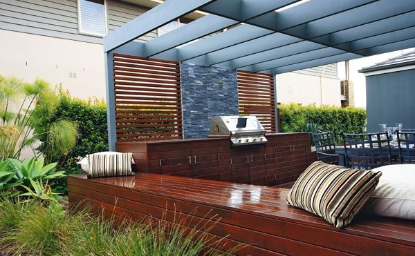 Modern outdoor entertaining space