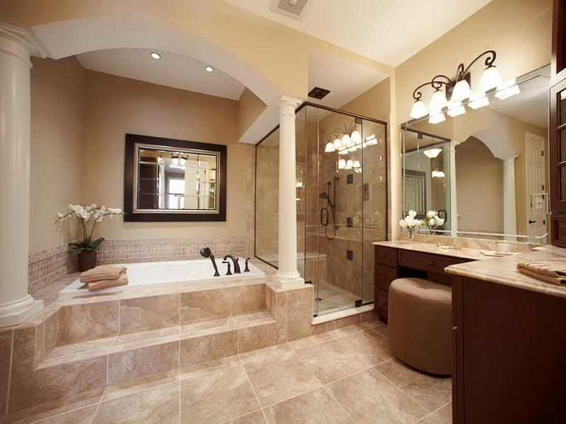 Photo Gallery of The Traditional Master Bathroom Designs