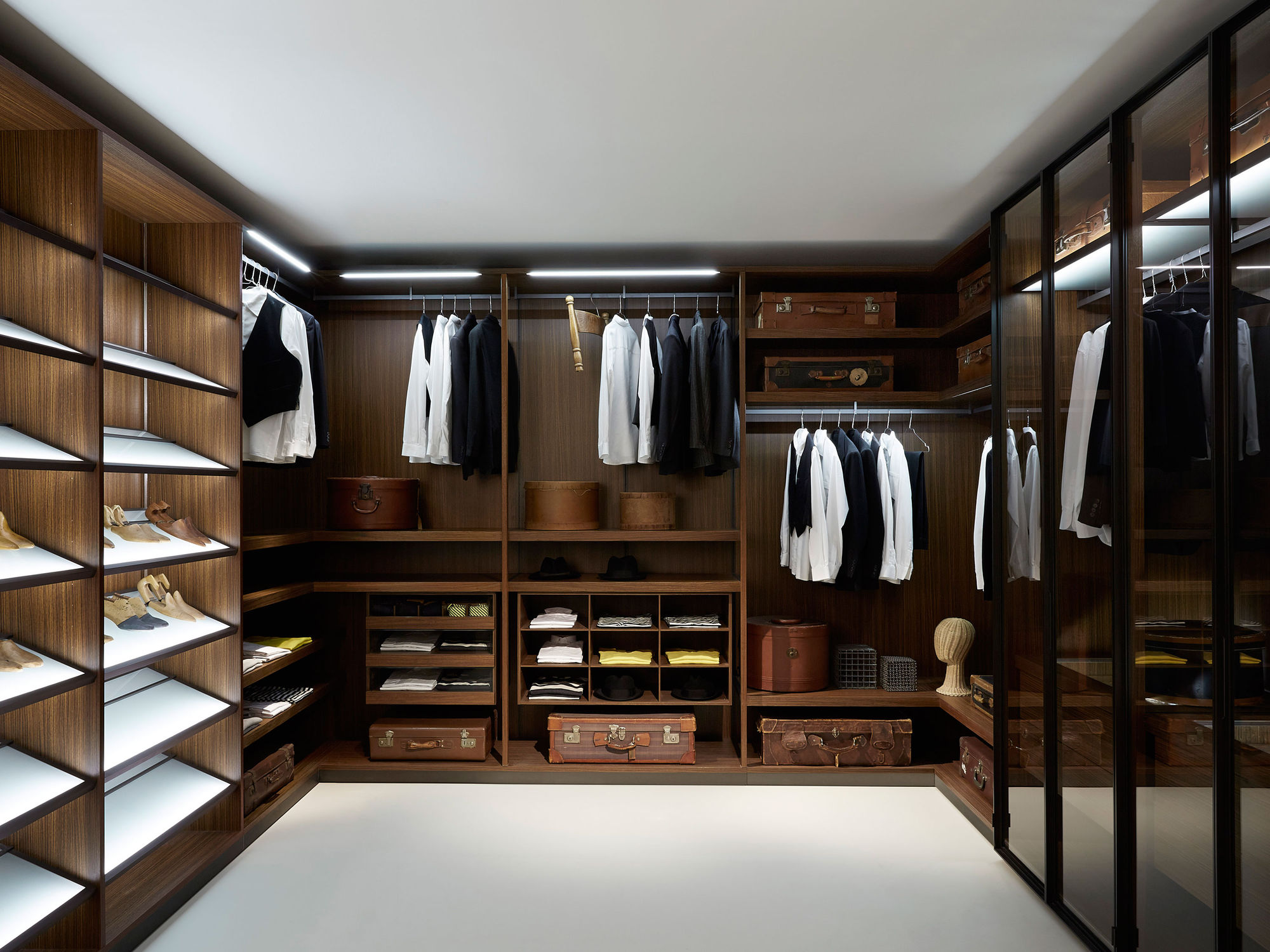 bedroom-laundry-room-furniture-wooden-walk-in-wardrobes-closet-piero-lissoni-with-excellent-luxury-in-modern-house-design-walk-in-closet-with-traditional-and-modern-interior-design-for-small-house
