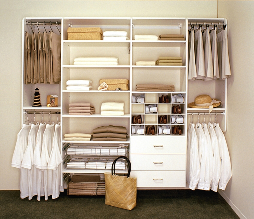 closet-systems-with-hanging-clothes