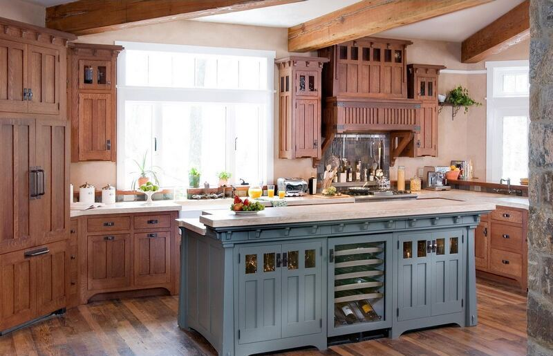 kitchen-cabinets-traditional-two-tone