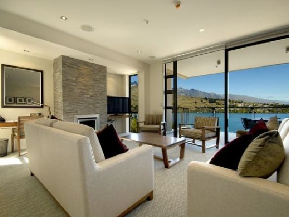 luxury-apartment-design-lake-view