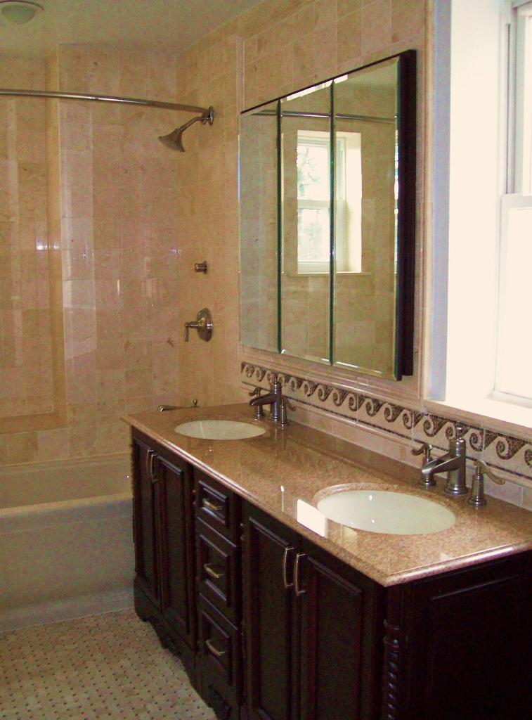 natural-traditional-bathroom-decorations