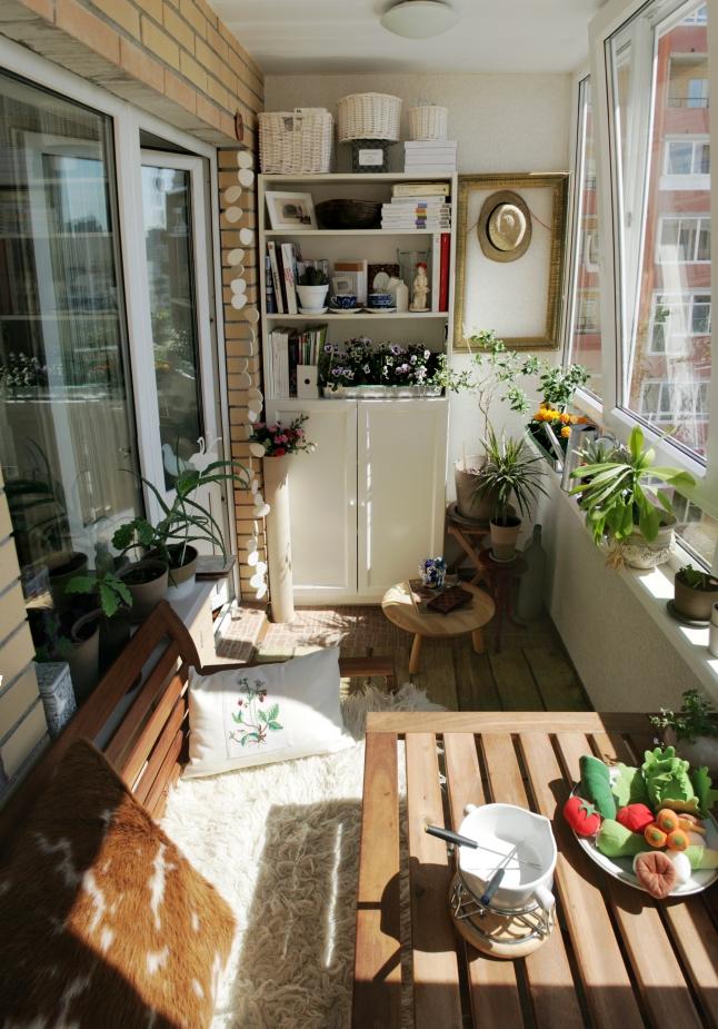 small-balcony-decoration-ideas