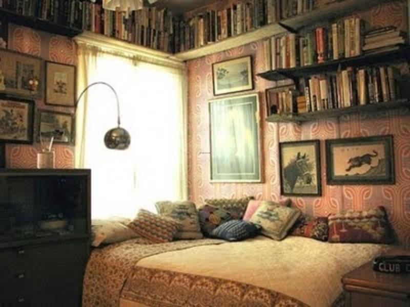 small eclectic bedroom, eclectic bedroom, bedroom