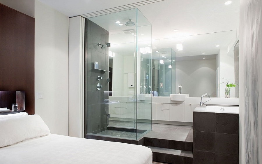 Master-suite-with-the-bath