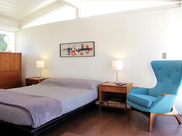 Mid-century-modern-bedroom-l