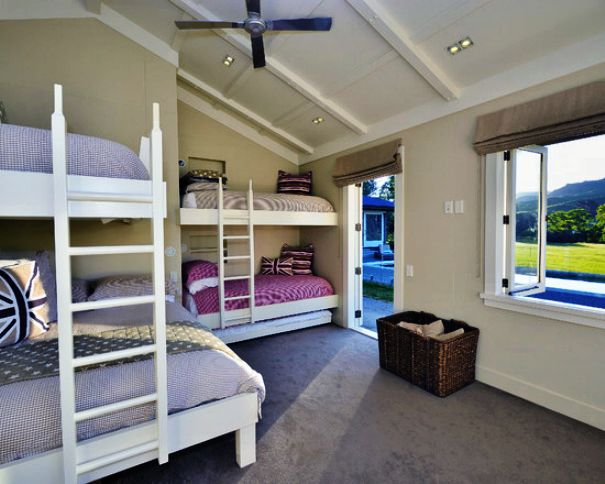 Pretty-And-Nice-Twin-Bunk-Beds-Comforter-In-Farmhouse-Kids-Bedroom-Design-Ideas-3