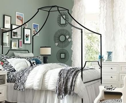 The-Canopy-Bed-Of-Stylish-Teenage-Girls-Bedroom-Ideas-