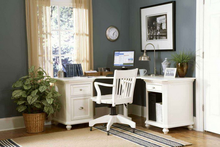 White-Table-and-Chair-in-Small-Home-Office-Ideas