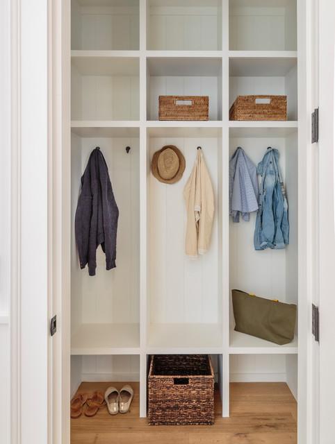 beach-style-closet-ideas