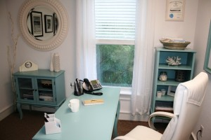 25 Lovely Beach Style Home Office Designs
