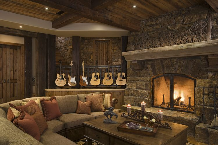 outstanding-traditional-rustic-house-design-