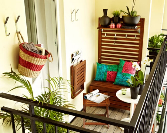 small-balcony-design-ideas-folding-table-folding-chair-furniture