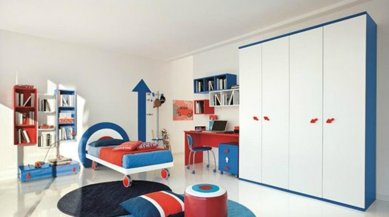wall-growth-chart-in-boys-bedroom-also-combination-white-and-blue-also-red-desk-and-a-pc-of-computer-801x487
