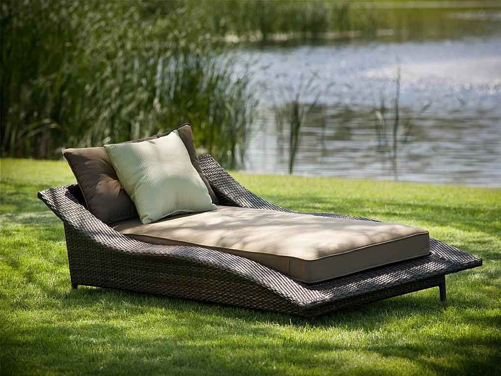 Beautiful-modern-outdoor-furniture