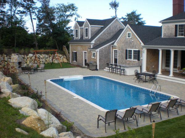 backyard-pool-