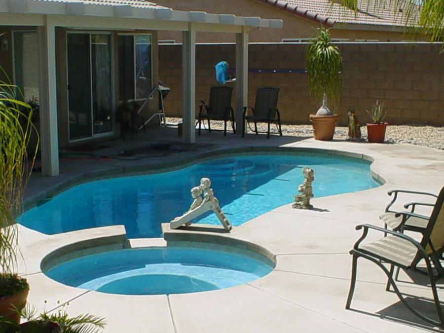 backyard-pool-designs-small-backyard