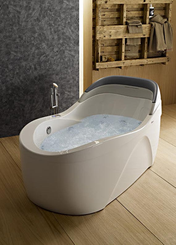 Small Jacuzzi In Bedroom