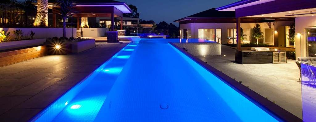 drop-dead-gorgeous-lighting-design-swimming-pool
