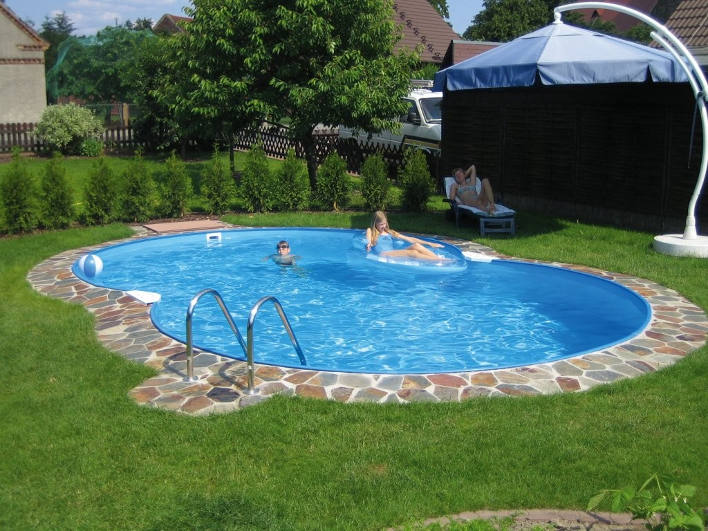 kids-backyard-swimming-pool-design-ideas-in-backyard-pool-designs