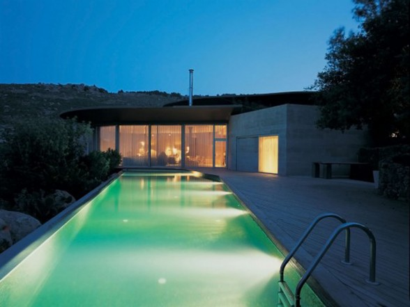 outdoor-swimming-pool-light