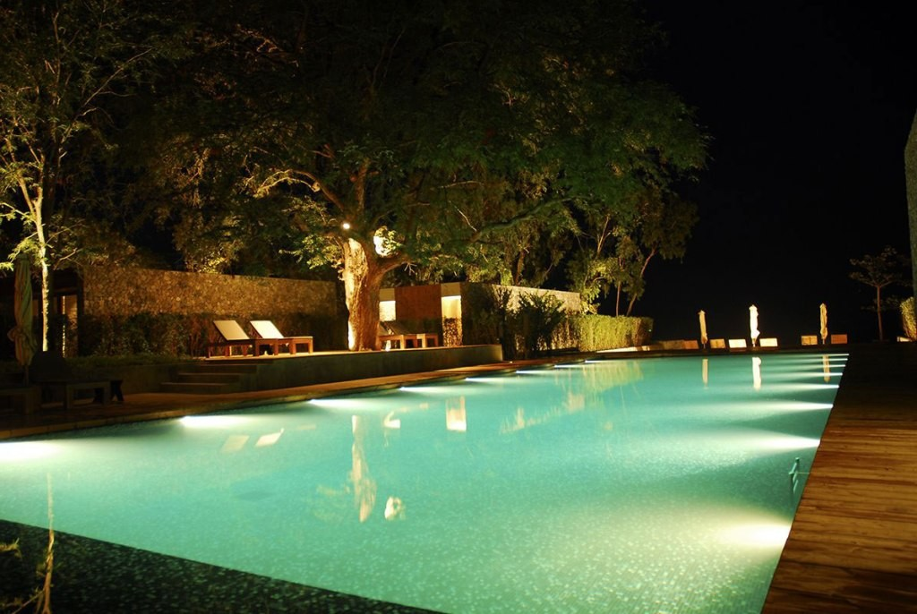 scenic-knockout-interior-exterior-lighting-