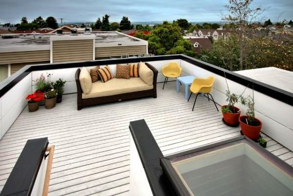 simple-minimalist-white-outdoor-rooftop-design