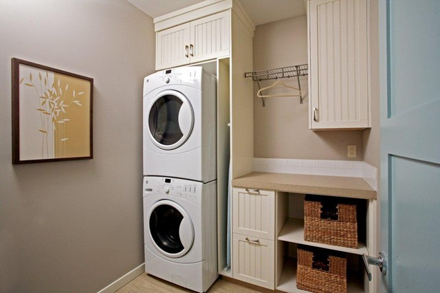 traditional-laundry-room