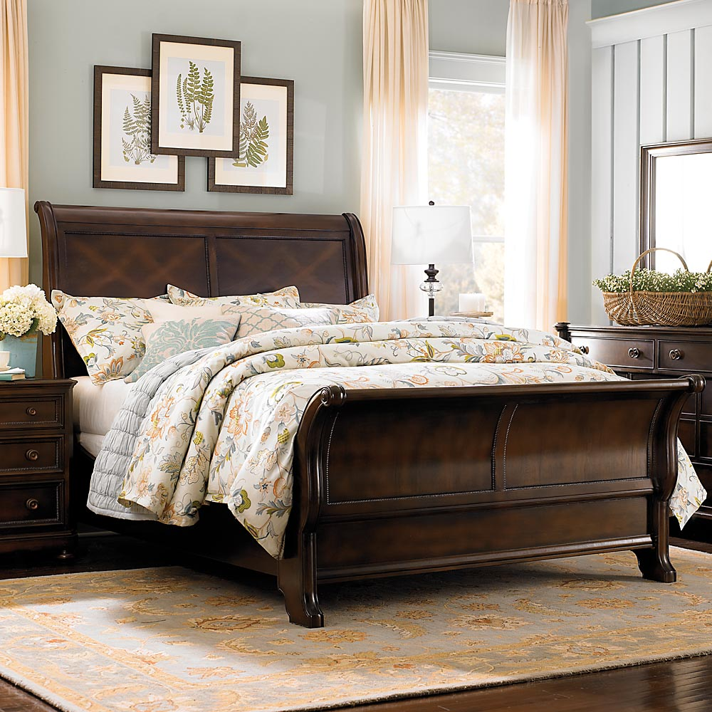 Bedroom With Sleigh Beds
