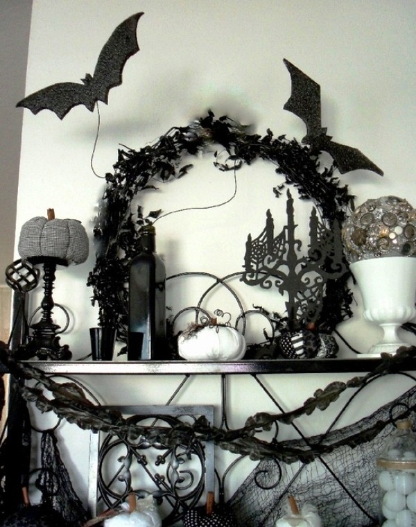 Black-and-White-Halloween-Home-Decoration-Ideas