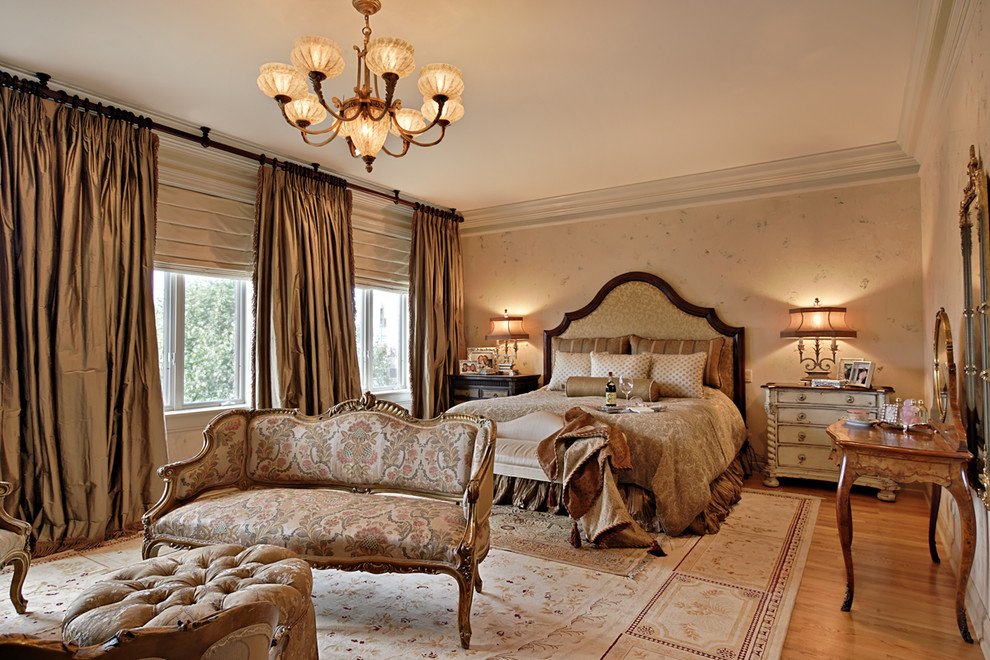 Glamorous-Bedroom-Traditional-design-ideas-