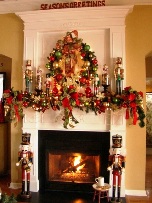 Red-Mantel-Christmas-Fireplaces-Decoration-Ideas