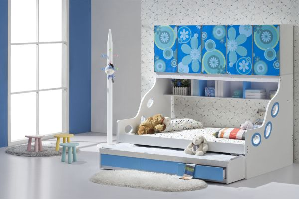 Sleek-and-stylish-trundle-bed-fits-in-seamlessly-with-this-chic-modern-kids-bedroom