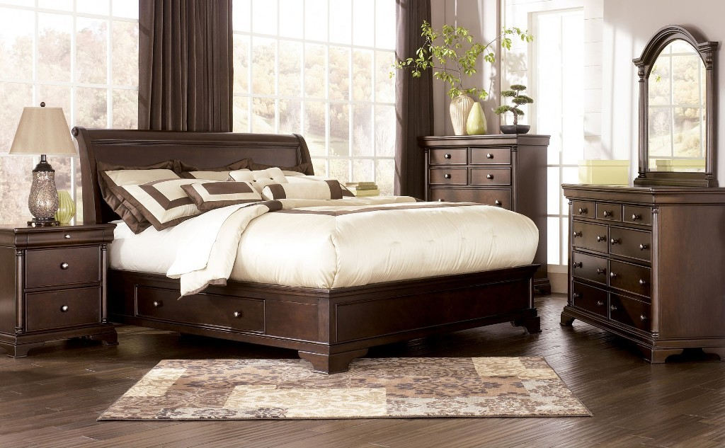ashley-leighton-queen-sleigh-bed-