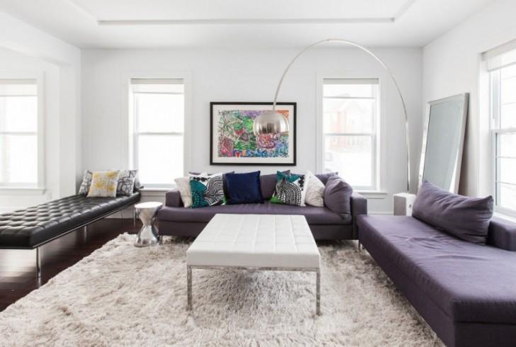 beautiful-living-space-purple-sofa-white-carpet-designer-home-728x490