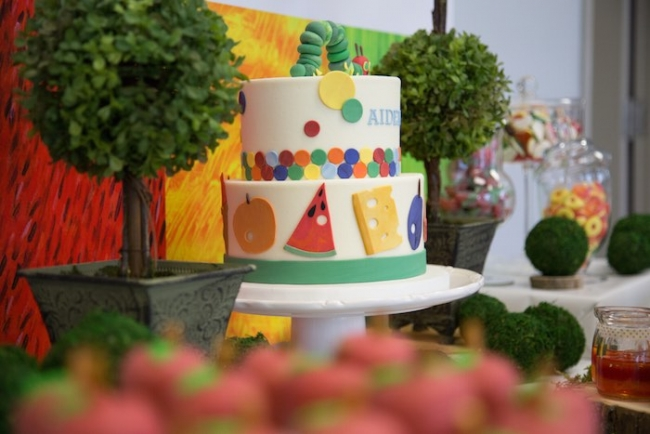 boys-hungry-caterpillar-themed-birthday-party-dessert-table-deco