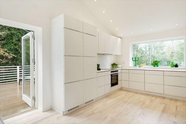 modular-white-kitchen
