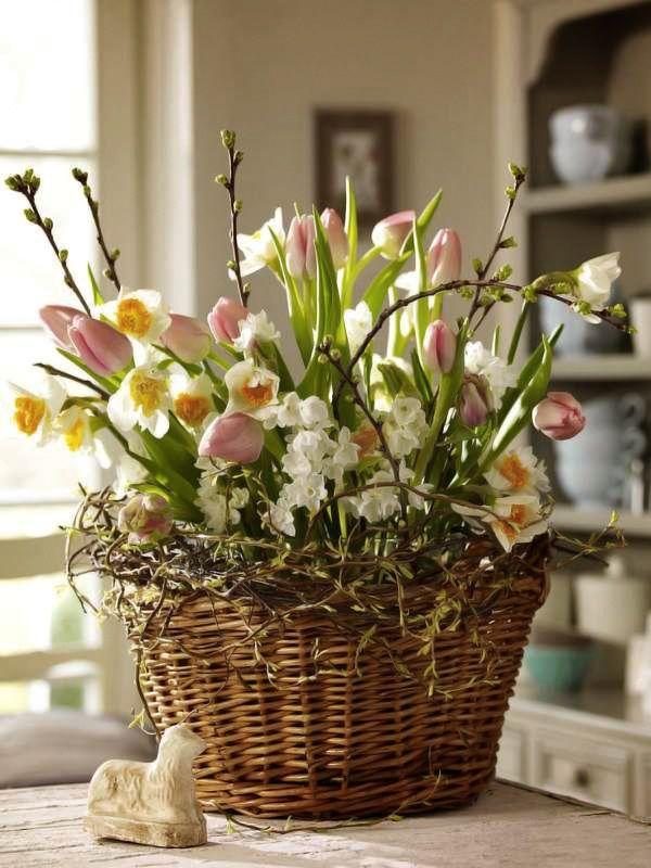 tulip-flower-arrangements-ideas-for-spring-living-room-apartment-