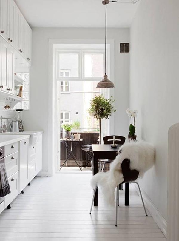 white-scandinavian-kitchens