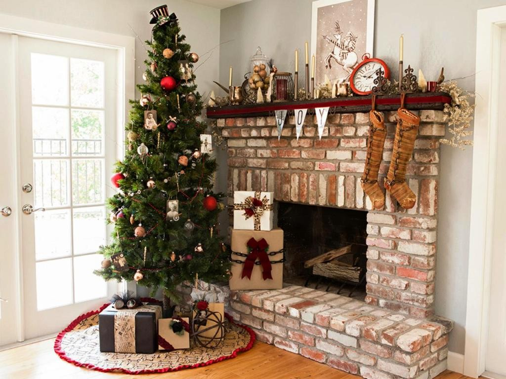 CI-SomethingTurquoise_Christmas-SteamPunk-tree-fireplace
