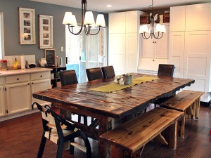 20 Beautiful Reclaimed Wood Dining Table